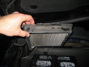 Ford-Mustang-Cabin-Air-Filter-Replacement-Guide-011